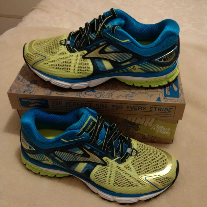 Running Shoes - Brooks Ravenna 6